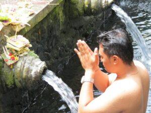 Découvrez le Temple de Tirta Empul avec Lune de Miel Bali