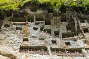 Londa, grotte à Tau Tau à Sulawesi, pays Toraja, Indonésie.