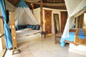 jolie chambre d'hôtel typique de Bali