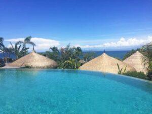 piscine avec vue mer