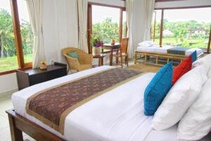 lit double dans un hôtel à Bali
