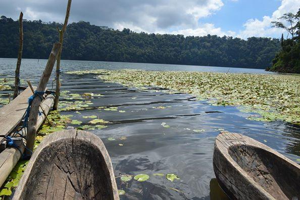 pirogue lac tamblingan, Bali, indonésie