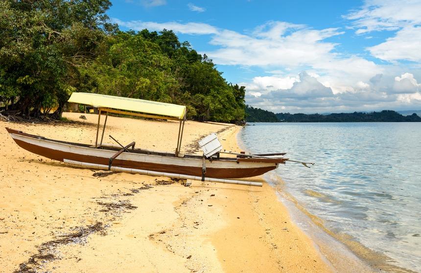 Siuri beach, lac Poso, Indonésie